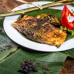 ca chep nuong 300x300 - Top 10 đặc sản ẩm thực Tây Bắc ngon nức tiếng níu chân du khách